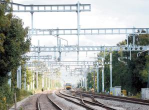 Storm Ciara damage blocks all lines between Maidenhead and London Paddington