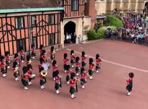 VIDEO: Windsor guards plays 'Congratulations' to celebrate birth of Royal baby