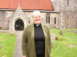 Video: Burnham church holds ceremony welcoming new vicar