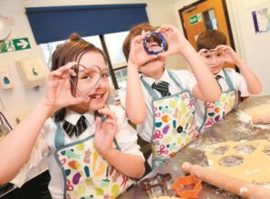 Year 4 students bake for the homeless
