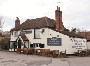 Boost to Holyport pub expected as outdoor plans approved