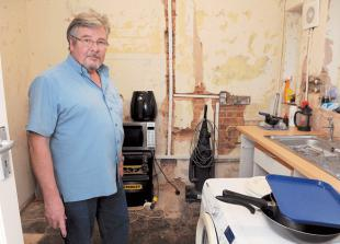 Tenant demands new home after claiming his bungalow may have asbestos in it