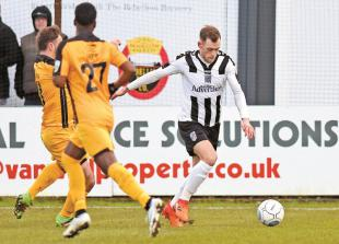 Honours are shared as Maidenhead United and Maidstone United are frozen out at York Road