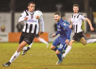 Maidenhead United have nothing to lose or fear when they travel to leaders Macclesfield Town