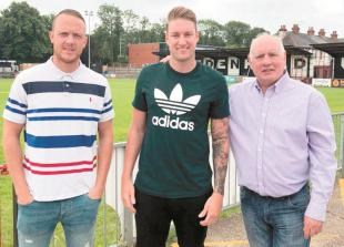 Maidenhead United FC new signing: Bird is a Magpie