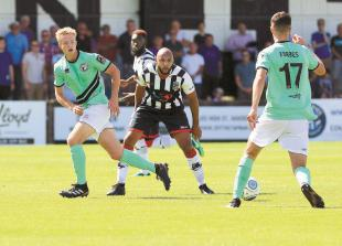 Comley hoping fine margins will fall in Maidenhead United's favour against Wrexham
