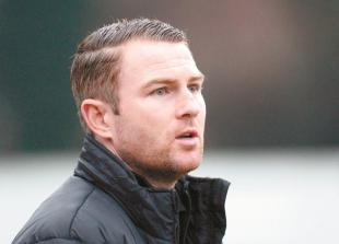 FA Cup: Players need to 'run their legs off' against Billericay Town, says Burnham boss Shone