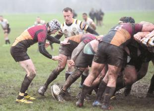 Rugby round-up: Windsor RFC get back to business with 15pt lead over rivals