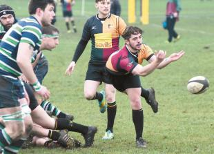 Windsor RFC looking for tenth league win on the bounce as they travel to High Wycombe Rugby Club.