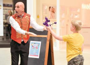 In pictures: Circus performer wows kids at Nicholsons Centre