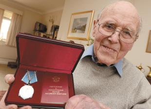 Family pays tribute to former councillor Mike Alston who has died aged 95