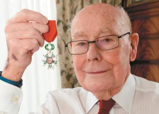 Daughter pays tribute to former RAF pilot dad who was 'proper gentleman'