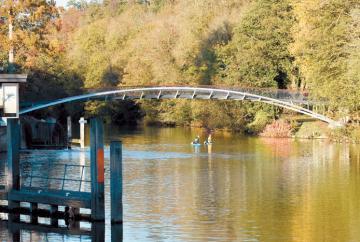 Vote to name new bridge in Taplow