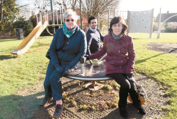 Play equipment in Stomp Road refurbished