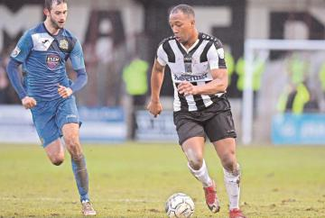 Football round-up: Maidenhead United sunk by stoppage-time goal while Windsor are out of the FA Vase